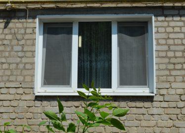 Чугуев окно Харьковская